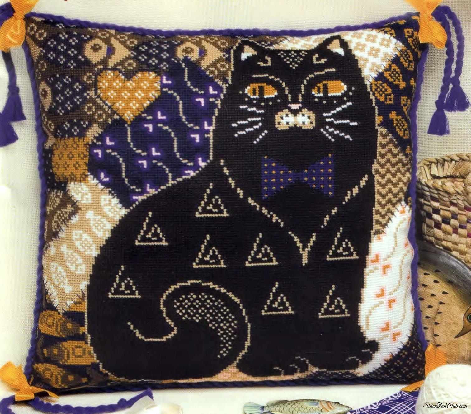 Подушка Кот черный.jpg
